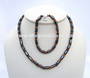 beaded-necklace